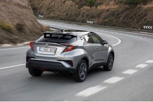 Toyota C-HR: возвращение в будущее