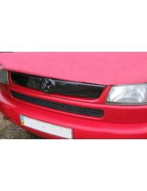 """Зимняя накладка Volkswagen T4 1998-2003 """"косые фары"""" (верх реш), Глянец"""
